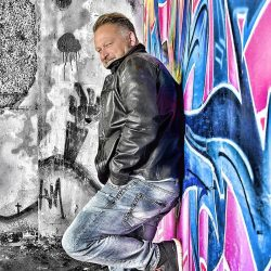 phinephoto-berlin-outdoor-portrait-lostplace-grafitti