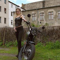 phinephoto-berlin-outdoor-business-rollergirl_5913