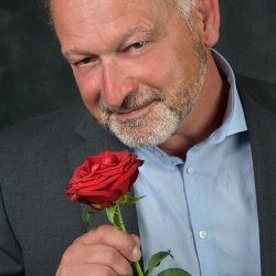 phinephoto-berlin-portrait-mann-rose